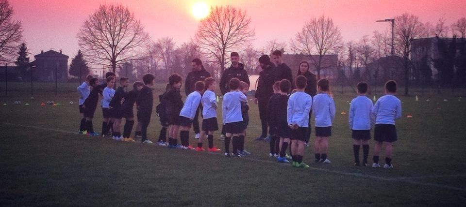 Scuola calcio ripresa allenamenti